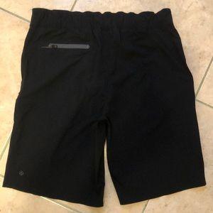 Lululemon men's black shorts NEW size 34